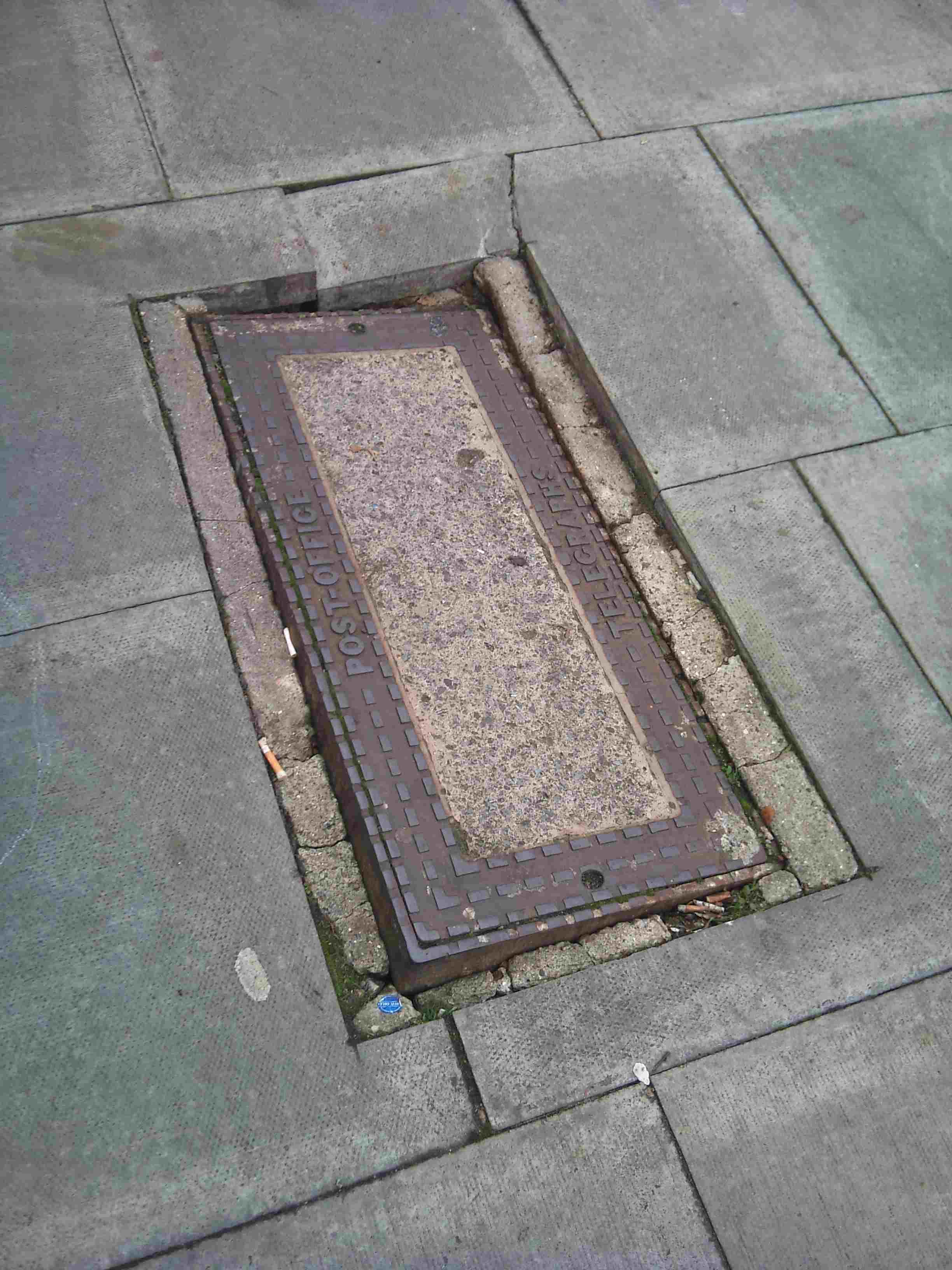 Manhole Cover St Ann's Road N15 30.10.2011.jpg